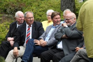 Prälat Heinrich Festing, stellv. Landrat Kurt Kalkreuther, MdL Jürgen Berghahn, Ortsbürgermeister Hermann Wenneker(Von links)
